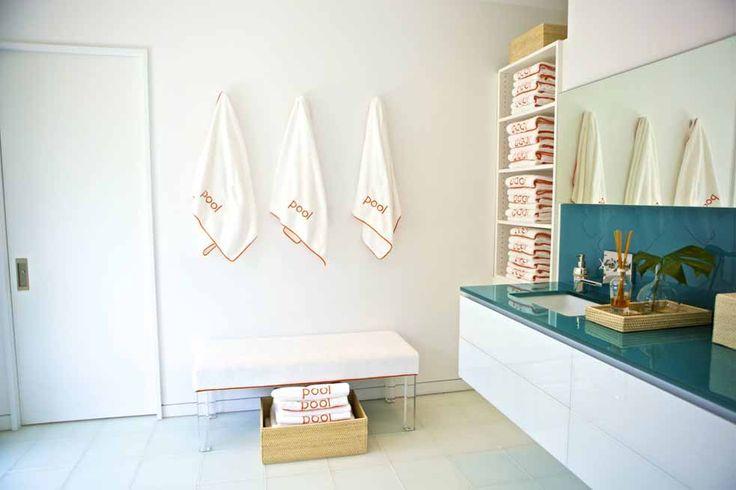 freshly fluffed beach bath :: sam allen: Houses Someday, Pools Houses, Houses Ideas, Pool Houses, Beaches Houses