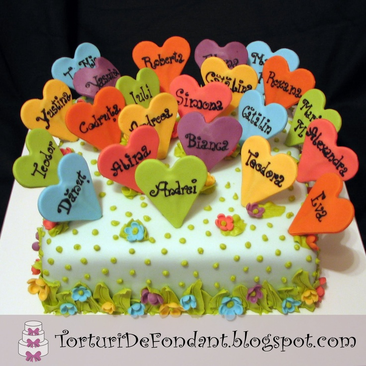 Maybe individual cupcakes with sugar cookie name tags on each. End of the school year cake