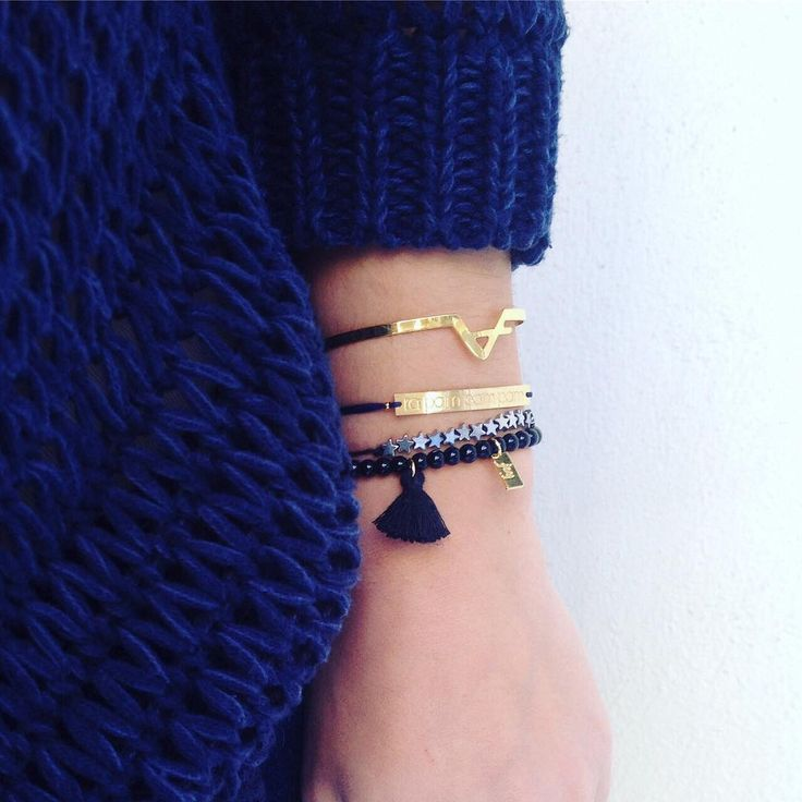 Lucky charms for a lucky year! ✨❄️ #joinyourfeelings #charms #bracelets #knit #cozy #luckystars #rapampampam #joy #christmasmood