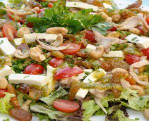 Salada de Frango                                                                                                                                                                                 Mais
