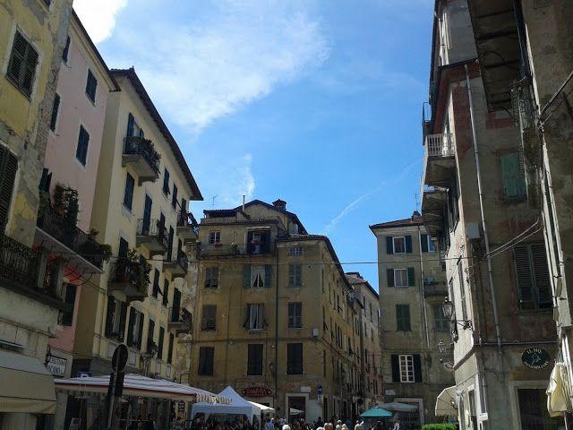 Ovada.Piazza Mazzini