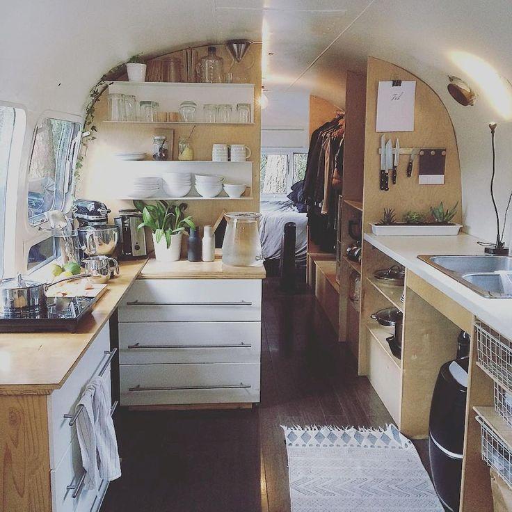 Adorable 70 Inspiring RVs and Camper Van Interior Design https://homeastern.com/2017/09/17/70-inspiring-rvs-camper-van-interior-design/