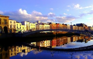 Dublin, IrelandBuckets Lists, Dublin Dublin, Favorite Places, Hapenni Bridges, Dublin Ireland, Beautiful Ireland, Beautiful Places, Dublin Cities, Dublinireland