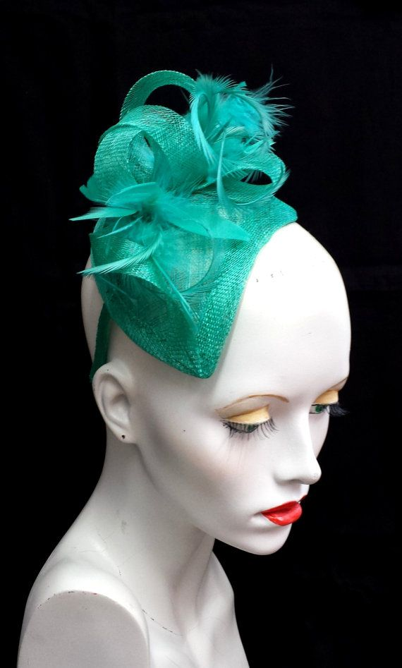 Jade green feather and sinamay fascinator teardrop от SHMillinery