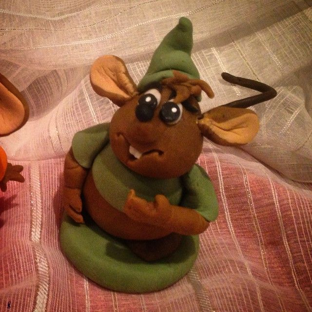 """I've made Gus from disney cinderella made with sugarpaste #handmade #sugerpaste #cinderella #askepott #cinderella #jaq #gusgus #art #artfood…"""