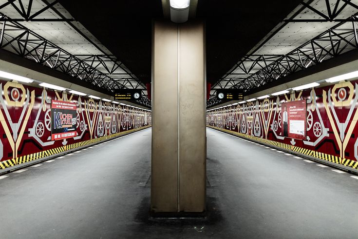 Berlin's U7 line in photos, all stations