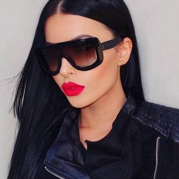 Rivet Retro Black Ladies Sunglasses Women Designer Sexy Sun Glasses for Women Flat Top Vintage Luxury Sunglasses Female