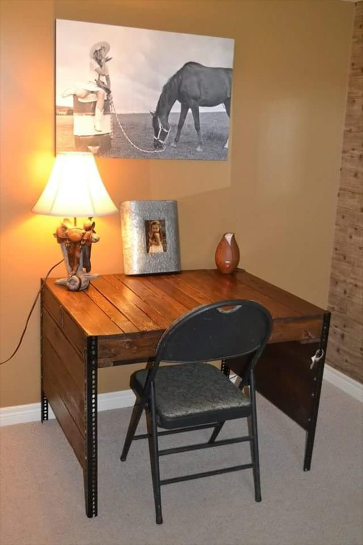 Pallet Study Desk Must Do Projects Pinterest Pallet Furniture Metal Desks And Pallets