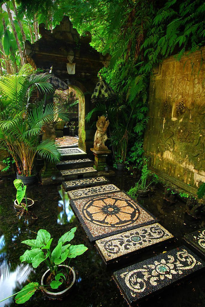 The path to a shrine in Payangan Hideaway, Bali, Indonesia