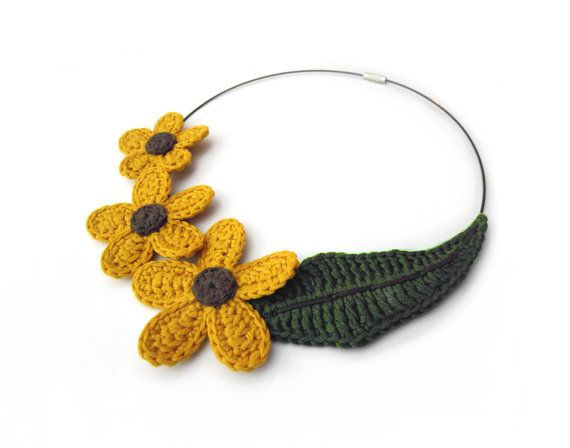Crochet flower necklace,crochet necklace,yellow flower necklace,fiber necklace,yellow crochet necklace,christmas gift for her,leaf necklace