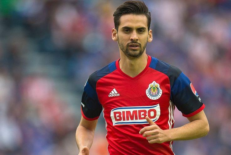 PACHUCA, MONTERREY Y PUMAS QUIEREN A RAÚL LÓPEZ Tres equipos de la Liga MX presentarían ofertas por 'Dedos', de Chivas, en el Draft 2016.