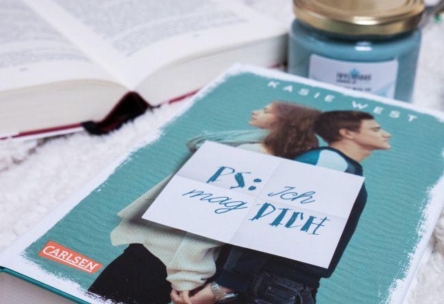 Viel mehr als nur ein oberflächlicher Jugendroman. Rezension zu PS: Ich mag dich von Kasie West, erschienen im Carlsen Verlag