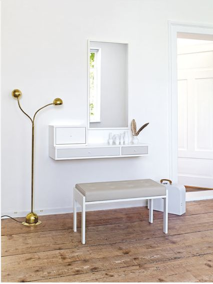 Best 25 small dressing table ideas on pinterest small for Small mirrored dressing table set