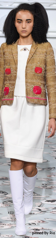 Schiaparelli Spring 2016 Couture l Ria