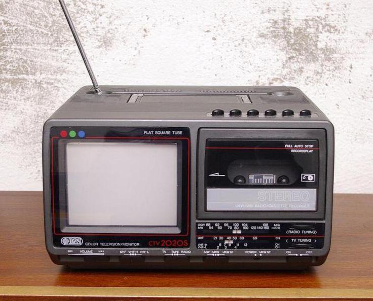 Fernseher aus den 70ern   Besichtigung nach tel. Abschprache möglich  Hornstrasse 17  Kreuzberg...,Alter Tragbarer Fernseher Vintage Deko 70er Kassete in Berlin - Kreuzberg