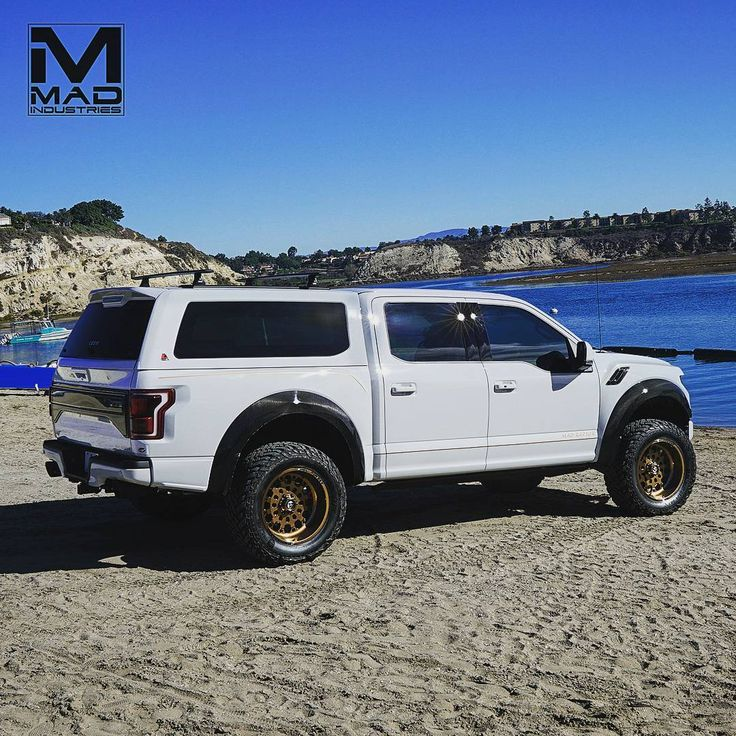 @leer_truck_caps_tonneaus asked to debut the new 100XQ on our MAD Raptor Build 002 at #semashow2017 #fordsema #madraptors followed up with photoshoot this week looks great with our Widened Carbon Fiber Fenders Flares and Fuel FF48s fit perfect #limtededition    #2017fordraptor #2017raptor #fordtrucks #truckporn #raptor #trucks #f150raptor #fordculture #ford