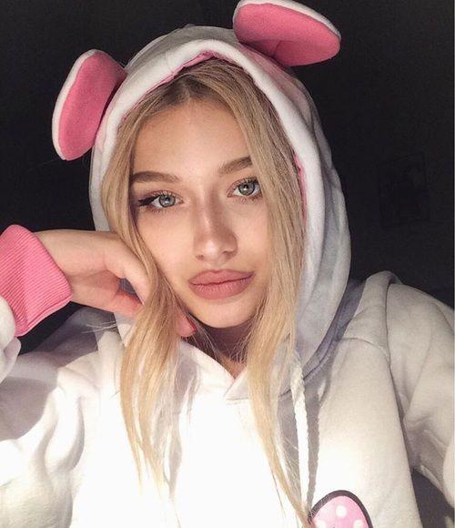 grafika girl, icon, and makeup