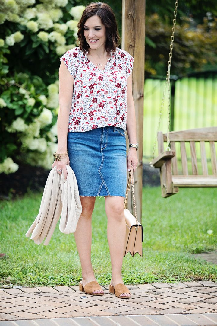 03578e7083d 3 Ways To Style A Denim Skirt for Transition Season