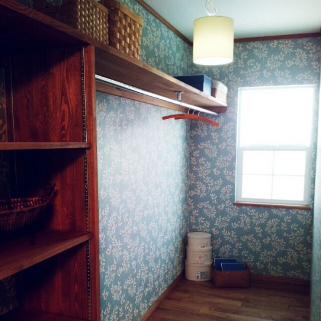 jomさんの、花柄壁紙,ウォークインクローゼット,棚,のお部屋写真