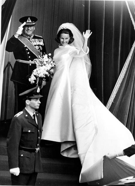 Red Carpet Wedding: Sonja Haraldsen and King Harald ~ Red Carpet Wedding