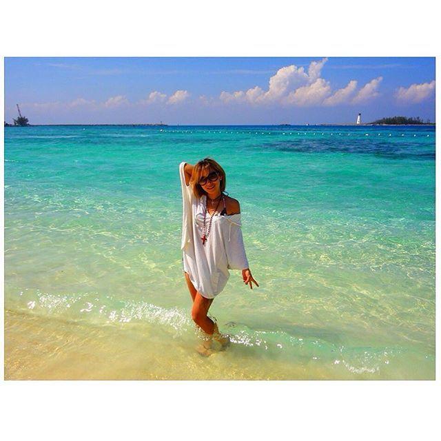 【manami.takano.2424】さんのInstagramをピンしています。 《#bahamas#bahamascruise#cruising#island#trip#traveling#cruiser#blueocean#sea #バハマ#諸島#クルーズ#クルージング#豪華客船#旅行#旅#海外生活#海外#青い海#青い空#海#オーシャンブルー》
