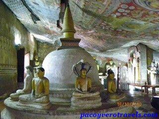 Templo de oro de Dambulla #srilanka http://www.pacoyverotravels.com/2014/01/visita-templo-de-oro-dambulla-sri-lanka.html