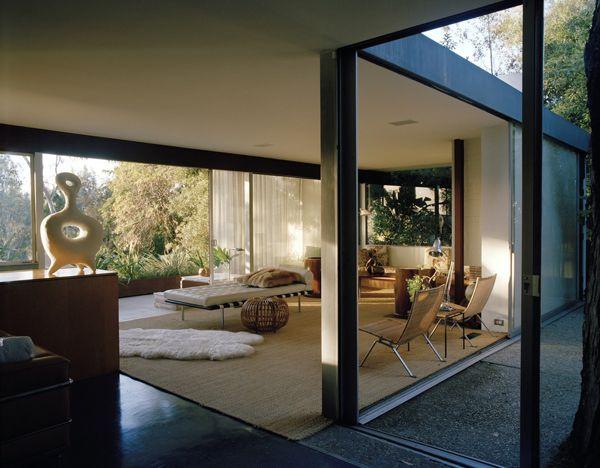 Richard Neutra and Vogue - http://www.interiordesign2014.com/interior-design-ideas/richard-neutra-and-vogue/