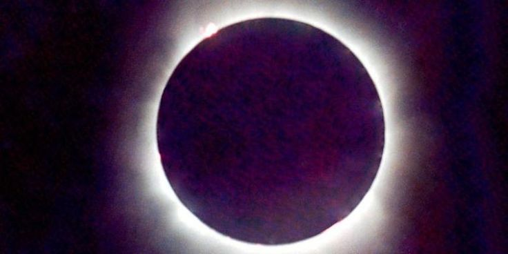 Cara Melindungi Mata Saat Menyaksikan Gerhana Matahari - http://www.kabartekno.id/219/cara-melindungi-mata-saat-menyaksikan-gerhana-matahari.html/  #News