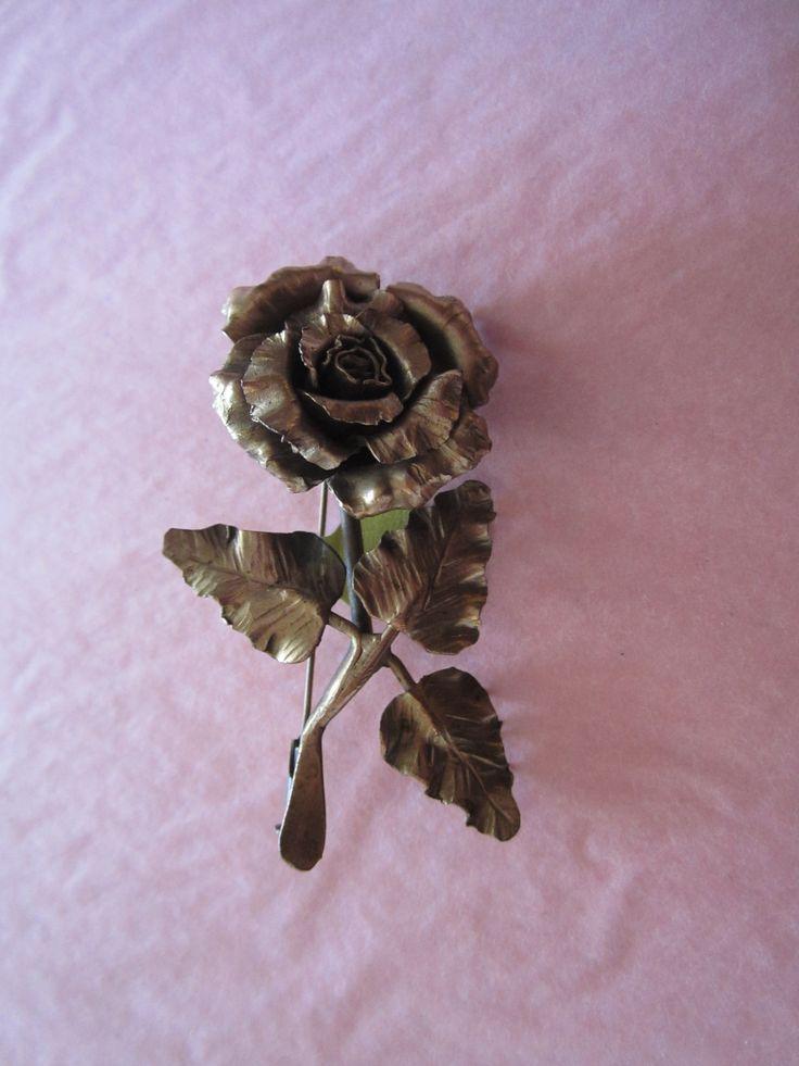 Vintage Gold metal rose broach