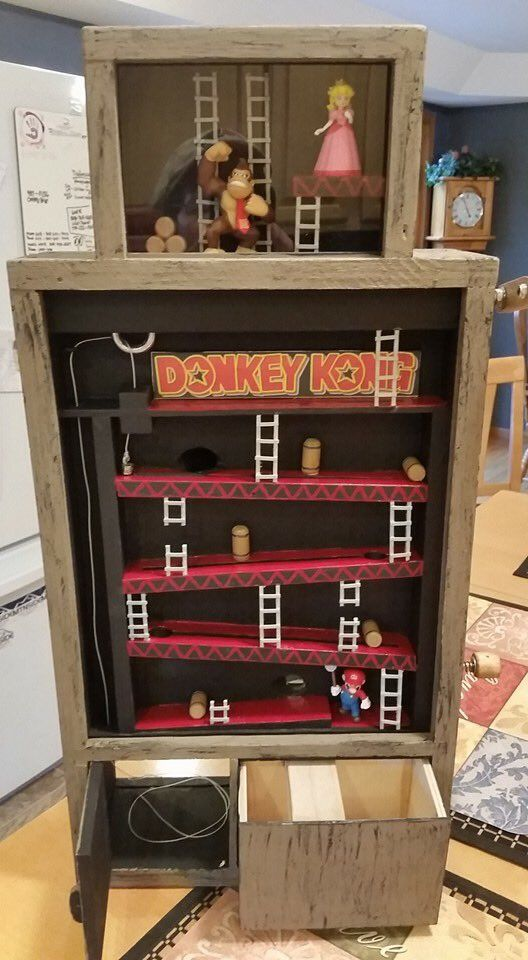 Oh no, Donkey Kong has stolen the geocache! Can Mario save it? A new cache from CacheDweeb. #IBGCp
