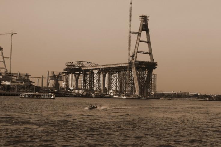 Building bridges in Prapa Deng
