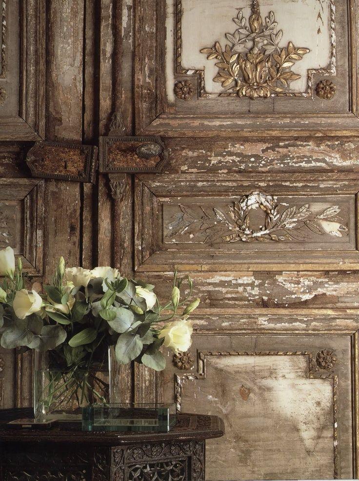 FleaingFrance....gorgeous aged doors