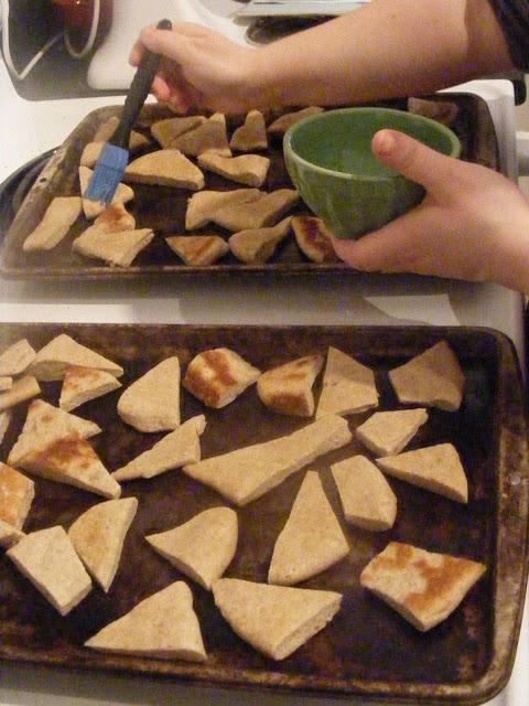 Homemade Pita Bread (and Pita Chips too!)