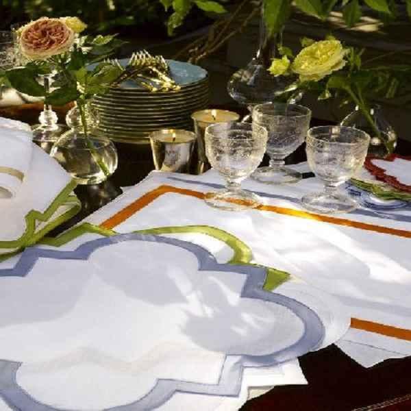 Matouk-Mirasol Table Linens