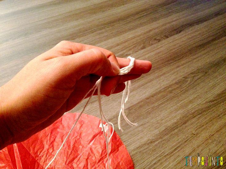 30 Brincadeiras de movimento para uma gincana que será um arraso - juntando as cordas do paraquedas