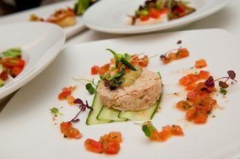 Салат из креветок и крабовых палочек