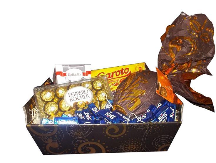CESTA DE PASCOA *Aqui tem chocolate* - 01 Ovo de Páscoa Cacau Show 400g - 01 Caixa de Ferrero Rocher c/15 - 01 Caixa de bombons Rafaello - 01 Caixa de Bis VENDA SOMENTE NO PERÍODO DA PASCOA  Nós da Kind Flores e Cestas elaboramos lindas e sofisticadas cestas para você presentear quem é especial em sua vida. Confira todos as nossas promoções em nossa loja vitual