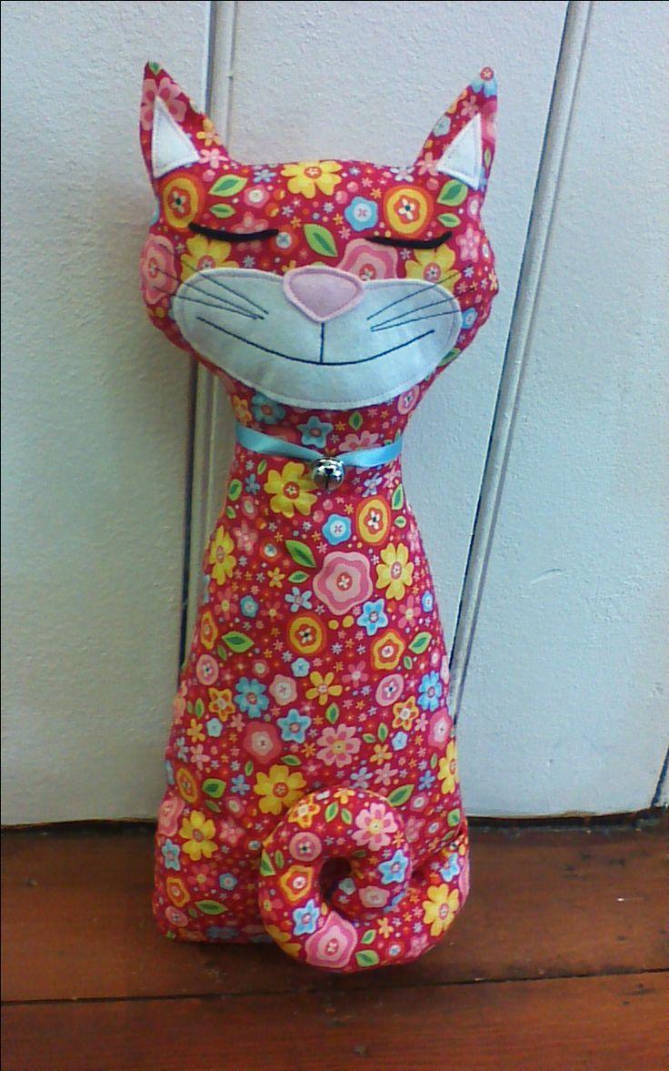 Cat doorstop sewing pattern.