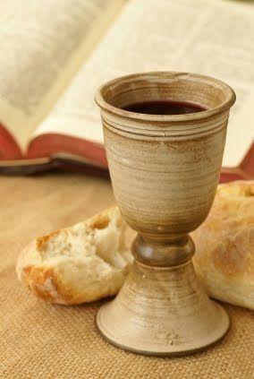 Lectura Bíblica: 1 Co. 5:7, 8. 1. Jesús Instituye la Santa Cena. Jesús conocía muy bien todo el simbolismo, pues Él mismo lo había dado para que el mundo conociese el momento de su venida, y lo que…
