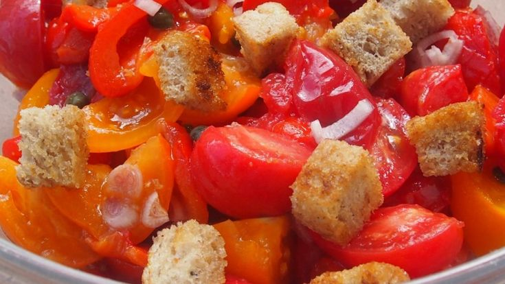 salad with tomatoes and roasted peppers / sałatka z pieczonej papryki i pomidorami