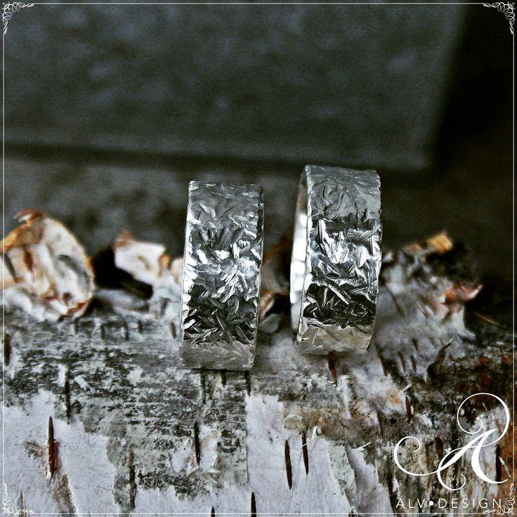 Vackra Stjärnglans, en maffig handarbetad silverring med härliga mönstringar. Görs efter beställning. Välkommen att se mer i webbutiken www.alvdesign.se Arbetad och designad av konstnär och silverdesigner Kenneth Lindström, Alv Design.