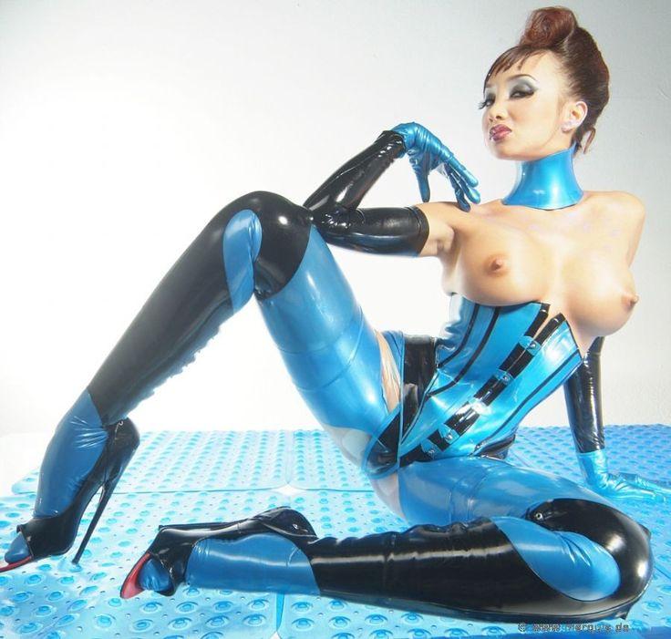 Katsumi En Latex 21