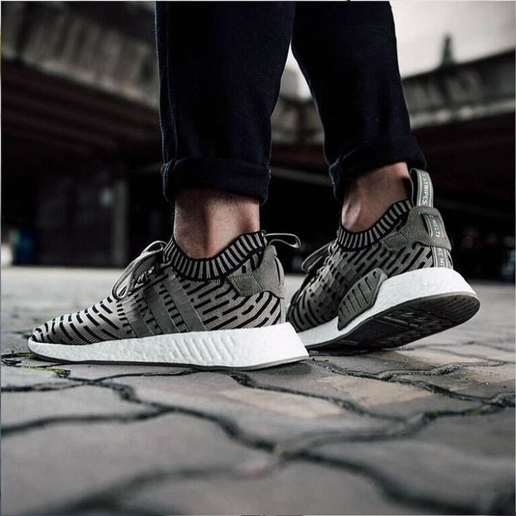 WM NMD R2 PK (BRAND NEW !!!)
