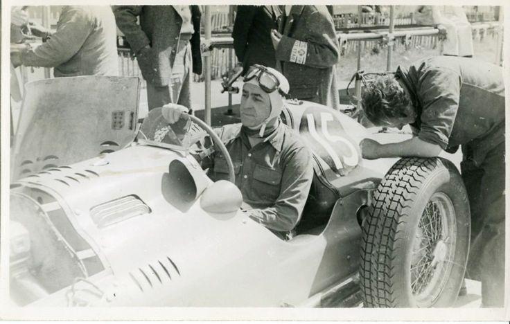 #15 Louis Rosier (Fra) - Talbot Lago T26C (Talbot 6) 5 (9) Ecurie Rosier