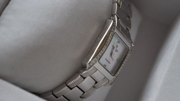 Jep Outlet - Christina of London ur med 38 diamanter til salg på jep-outlet.dk nu