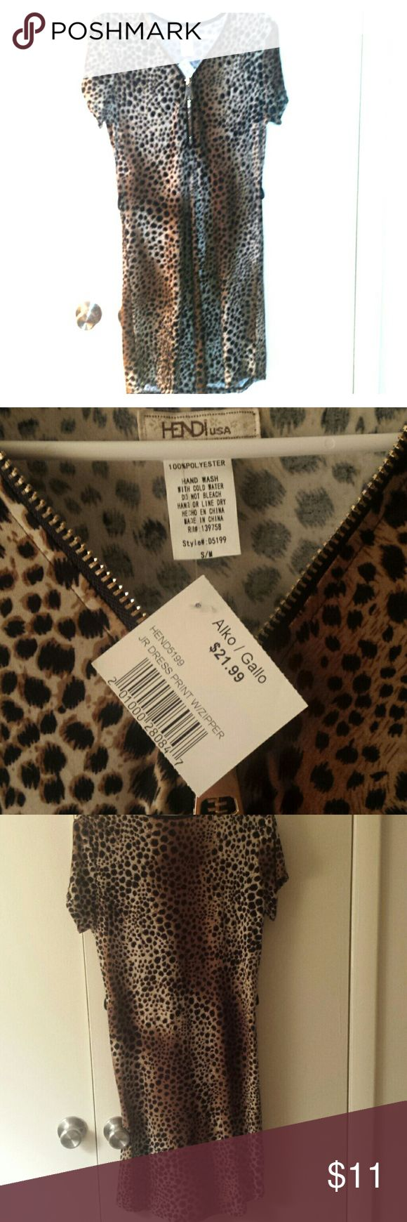 NWT Cheetah Dress Cheetah dress, size S/M, never worn with tags on, belt loops on either side - never came with a belt, very stretchy/comfy Hendi Dresses Midi