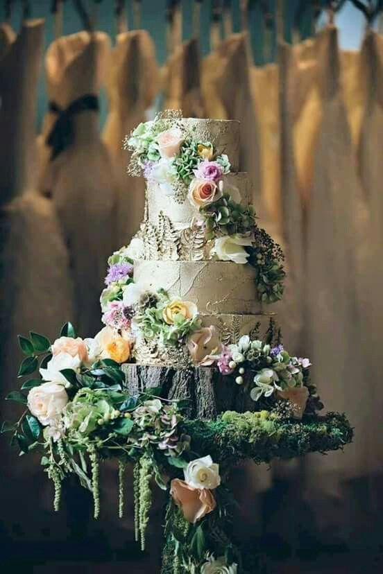 Fairytale Wedding Cake.  Enjoy RUSHWORLD boards, WEDDING CAKES WE DO, UNPREDICTABLE WOMEN HAUTE COUTURE and LULU'S FUNHOUSE. Follow RUSHWORLD! We're on the hunt for everything you'll love!