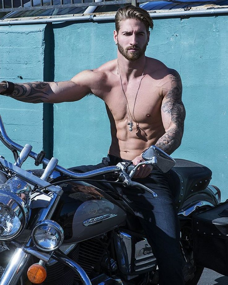 Need a lift? Jump on and hold tight ;) haha Photo By: @scotthoover1 #motorbike #biker #needalift