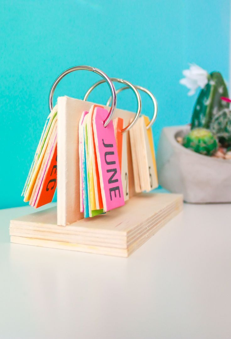 How To Make A Perpetual Calendar Diy Calender Diy Desk Calendar