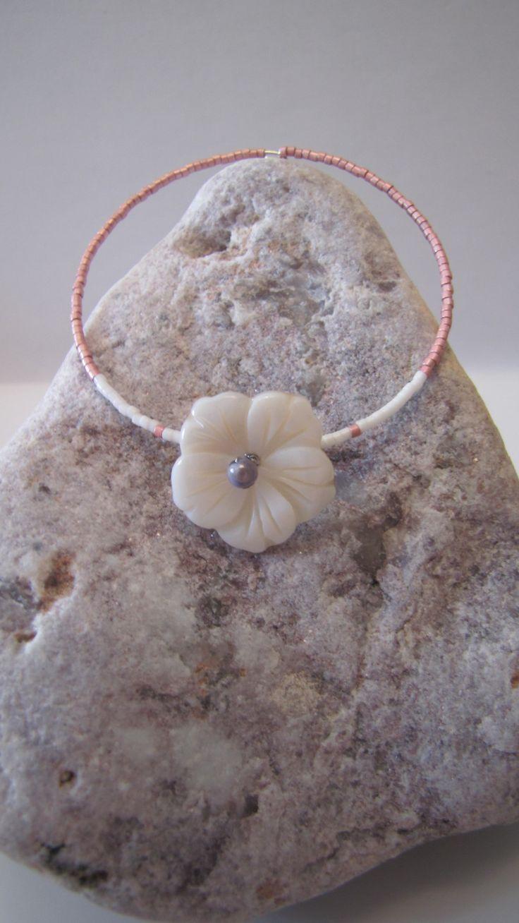 Bracelet Rose et Blanc - Fleur de Tiaré en Nacre - Rose, Blanc, Mauve - Perles Miyuki, rocailles japonaises